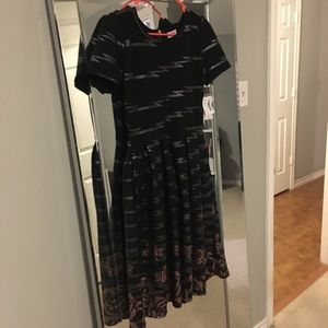 Beautiful Lularoe Amelia dress